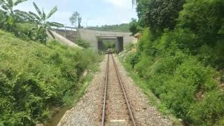 SE5 thông qua ga Lương Sơn và qua đèo Rù Rì