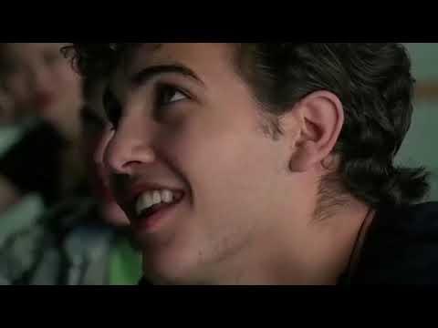 Bowfinger El Picaro--Escena Autopista from YouTube · Duration:  3 minutes 4 seconds