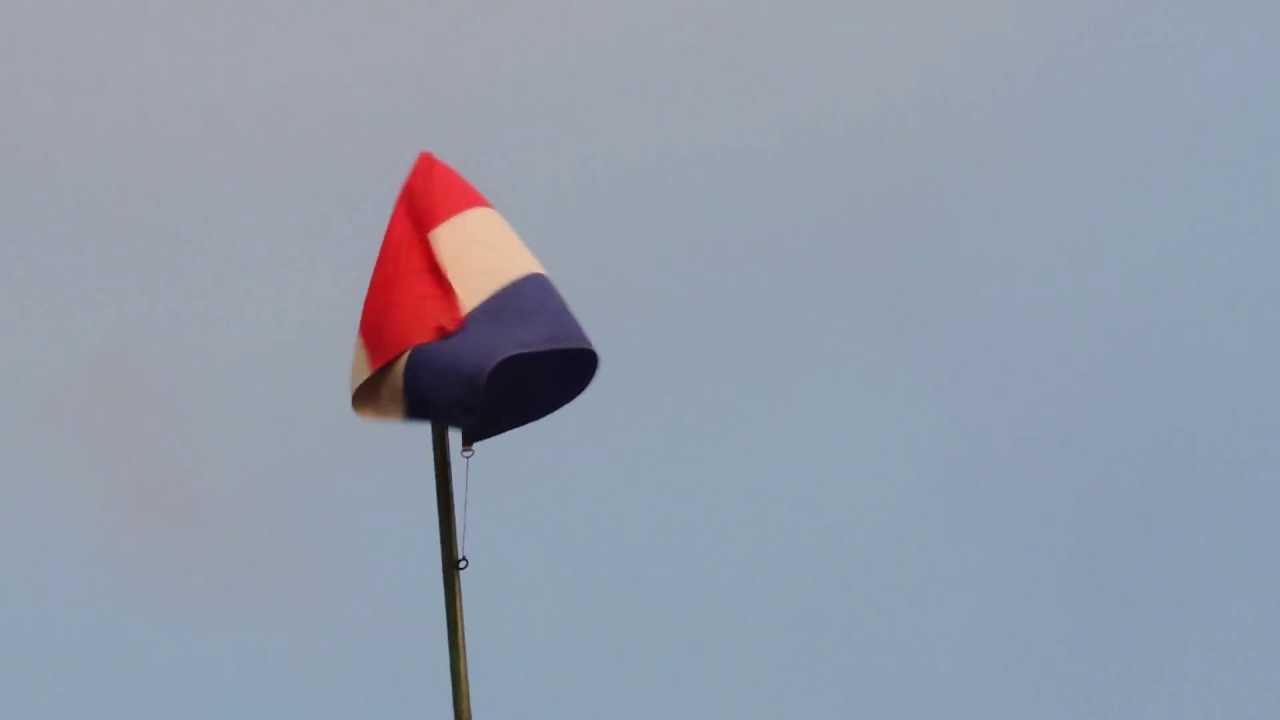 4807 Bandera de Chipre ondeando con el viento Raw Banderas de