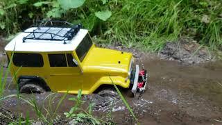 Axial help Tamiya in mud :-)