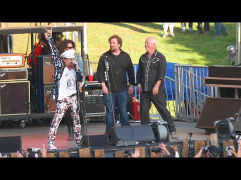 2017 Hardly Strictly Cheap Trick Plays Surrender