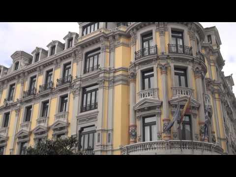 Paseo por la Ciudad de Oviedo  un día de Fiesta