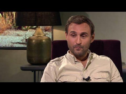 Johar Bendjelloul om saknaden efter sin bror Malik Bendjelloul - Malou Efter tio (TV4)