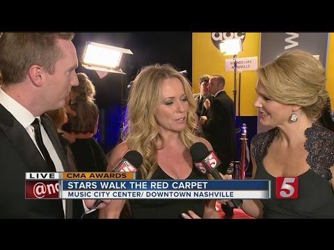 Deena Carter Talks To NewsChannel 5 From the CMA Red Carpet