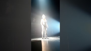 MIRRORED HEART BY FKA TWIGS ON MADGALENE TOUR IN PARIS