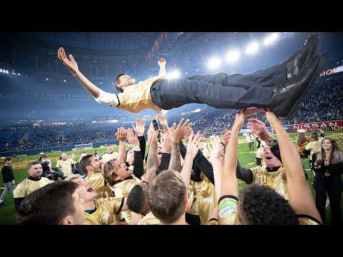 «Город золотой»: «Зенит» получил медали и кубок чемпионов России