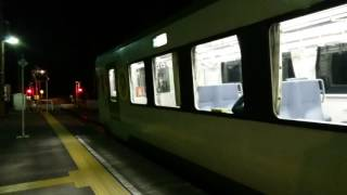 JR小海線 夜の松原湖駅 キハ110系出発