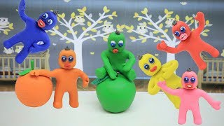 COLOR BABIES LEARNING COLORS -in- Play Doh & Clay Green Baby Cartoons