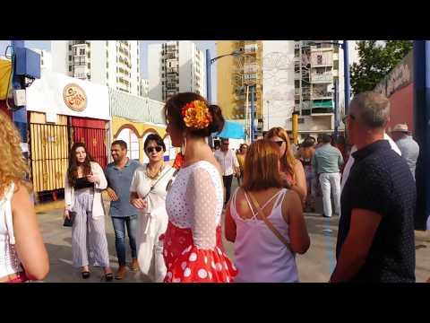 Algeciras vive un Domingo por Sevillanas con gran ambiente en el real de la feria