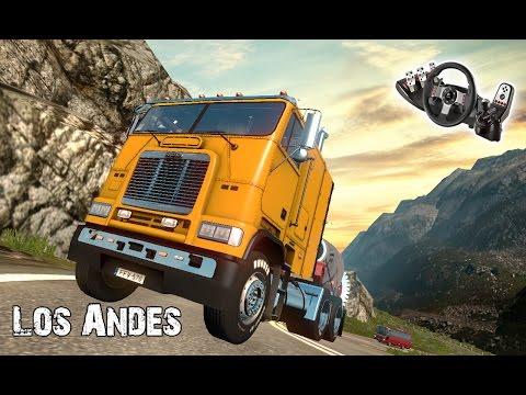 Carga super pesada subiendo  los Andes - Freightliner FLB