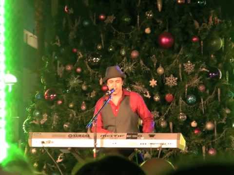 Jared Lee Sings Mariah Carey Christmas Classic
