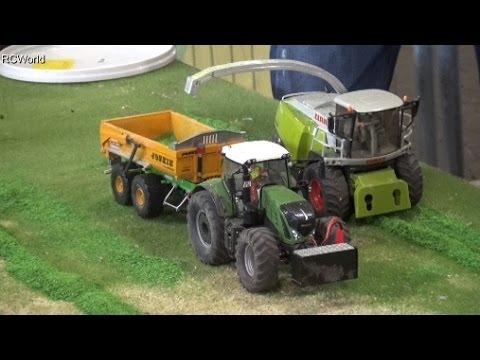 RC Siku Tractors at work Traktoren Landwirtschaft ♢ Erlebniswelt Modellbau  Kassel 2016 - YouTube d9d33484d3712