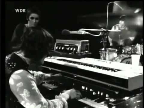 Julie Driscoll Brian Auger & Trinity: Season of the Witch- Live