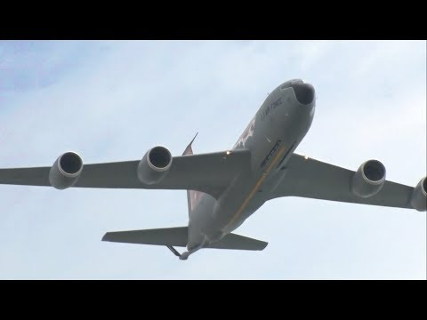 2017 Atlantic City Airshow - Military and Civilian Aircraft Flybys