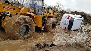 Завалили INFINITI QX56 ... Вытаскиваем из грязи... OFFroad не для Инфинити