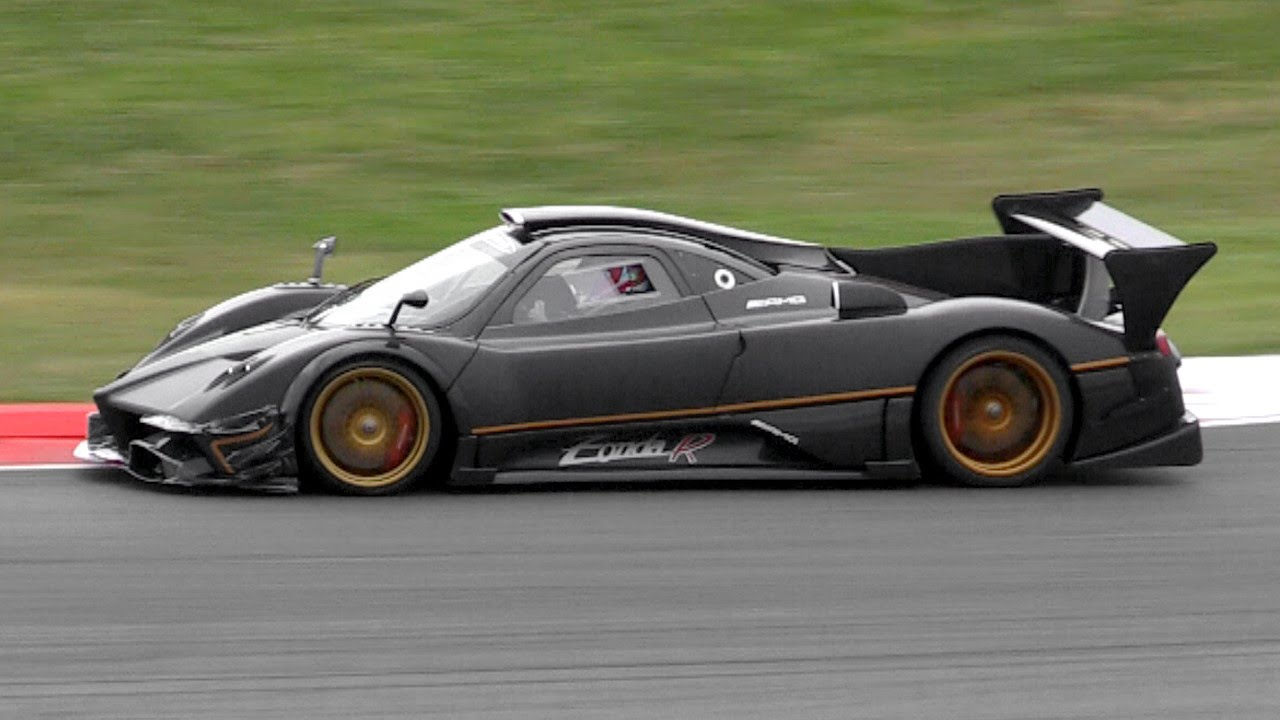2 x pagani zonda r evolution sound in action on track - youtube
