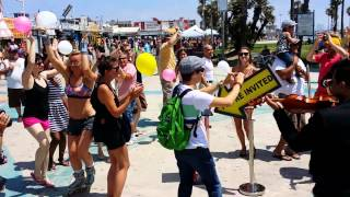 mariachi flash mob venice beach california