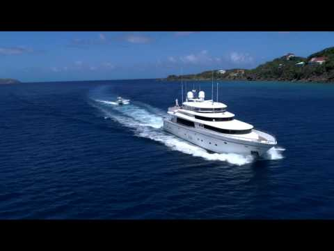 "Caribbean Droning- Johnson 103 ""Diamond Girl"" heading into Magen's Bay St. Thomas"
