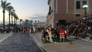 Concerto all'alba sul porto di Brindisi