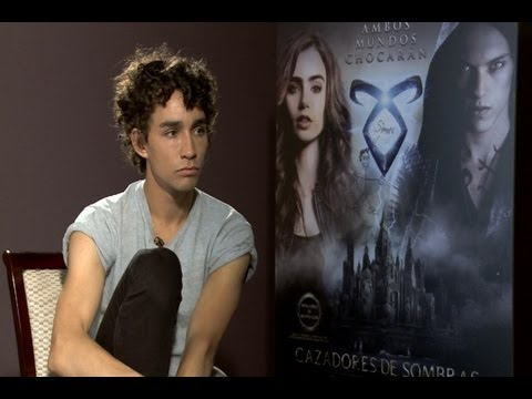 Robert Sheehan: 'Simon is definitely the character that I wanted to play'