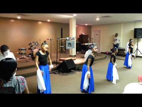 rock-church-easter-sunday-childrens-praise-dance