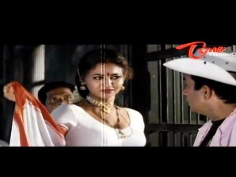 Raksha Shocking Cleavage Show To Brahmanandam thumbnail
