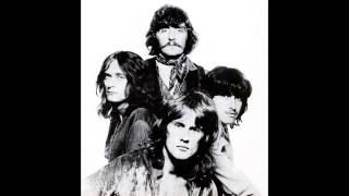 Ten Years After - She Lies In The Morning