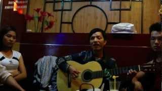 Nhớ Mùa Thu Hà Nội (guitar cover) tại Hương Việt Trà Quán, 293 Tô Hiệu, Hà Nội