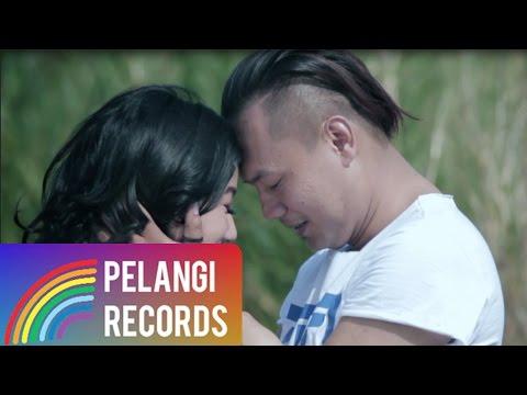 ANGKASA - Aku Tak Mau (Official Music Video)