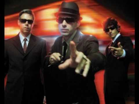 Beastie Boys vs Daft Punk - Lee Majors Come Again vs The Funk