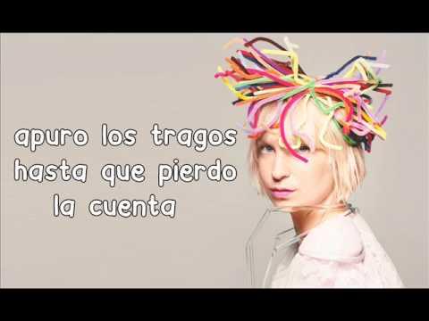 Sia - Chandelier (Letra Español) - YouTube