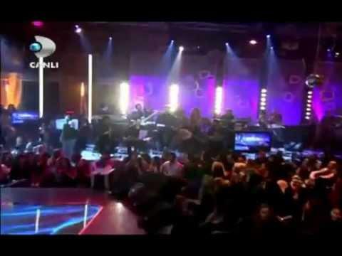 Hande Yener - Beyaz Show - Bodrum Türk Sanat Müziği Versiyonu