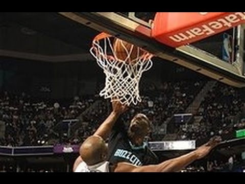 Marvin Williams Puts Carl Landry on a Poster!