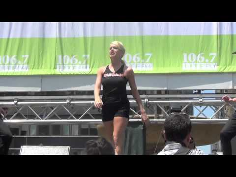 Broadway in Bryant Park: Roxie
