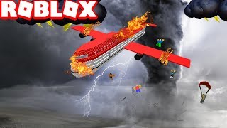 Roblox - Survive a Plane Crash on FIRE!🔥 Lost Half My BODY! Flew out of plane in MID-AIR!