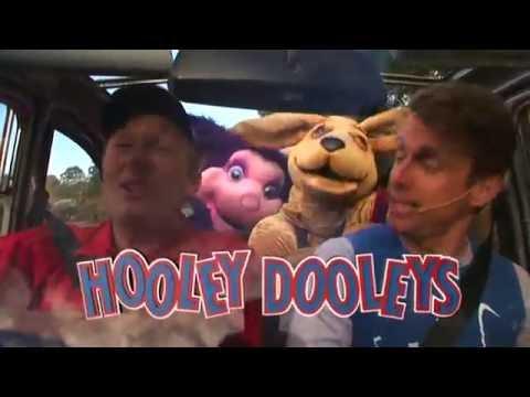 The Hooley Dooleys - At The Farm (2005)