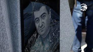 Ազգային հերոսը. Եռաբլուրում հարգանքի տուրք է մատուցվել գնդապետ Վահագն Ասատրյանի հիշատակին