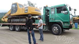 Fuso Self Loader Trucking Heavy Equipment Transport Komatsu PC200 CAT 320D Excavator