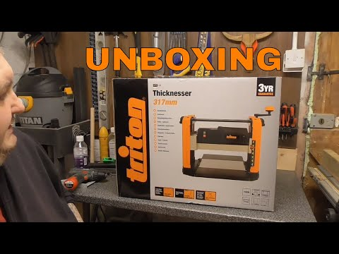 Triton TPT125 317 mm Thicknesser Unboxing and Review #tritonthicknesser #tritontools