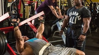 "Dexter ""The Blade"" Jackson and Sergio Oliva Jr. Chest Workout at The Mecca Golds Venice"