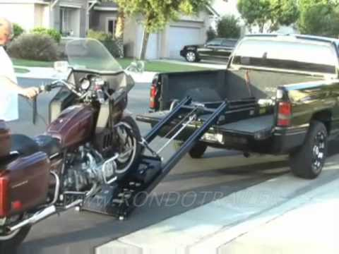 RAMPAGE MOTORCYCLE LIFT, TRIKES TOO! WORLDS BEST! EASY LIFTS HARLEY, HONDA GOLDWING ETC.