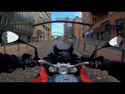 Through Hamburg to Dockland with BMW F900XR - 4K 60FPS