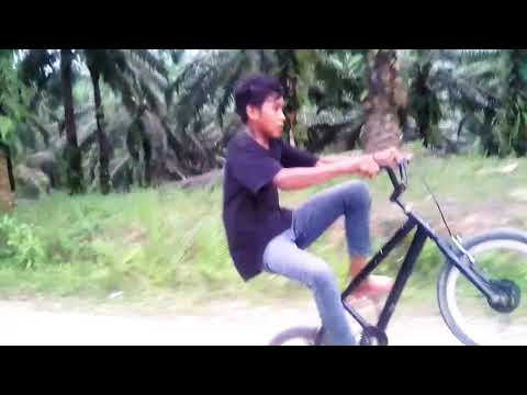 Stending sepeda 200 meter