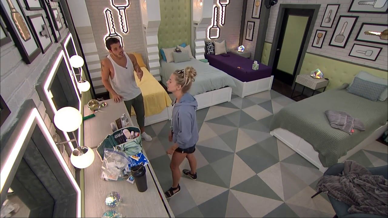 Nicole Talks With Cody About Christmas Catching Her In A -1057