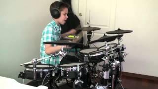 Мальчик играет на барабане под Three Days Grace-Time Of Dying