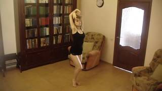 Малахова Елена танцует в стиле контемпорари