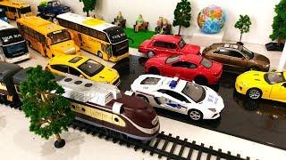 Çocuklar için oyuncak Tren Araba Karikatür Çocuk | Oyuncaklar Çocuklar için Çizgi film Oyuncakları Videolar Trenler Trenler