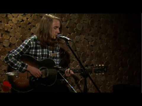 "Andy Shauf ""The Devil"" - www.streamingcafe.net"