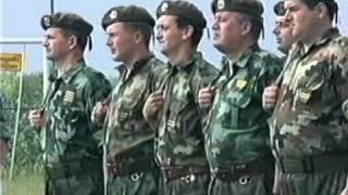 vojni orkestar svira hej sloveni(smesno)