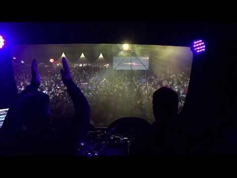 "Cosmic Boys Play "" FUTUR "" - Garorock Festival 2O17 (France)"